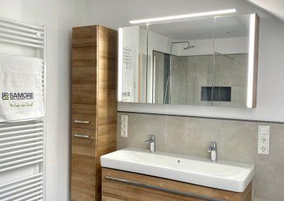 Badezimmer Badeinrichtung Schränke und Spiegel SAMORE