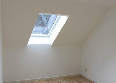 Zimmerrenovierung Dachschrägefenster SAMORE