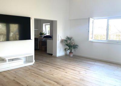 Wohnraum mit Beleuchtung und Zugang Küche SAMORE